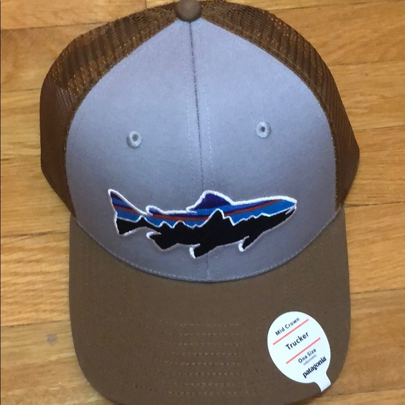 a390fa55740 Patagonia Fitz Roy Trout Trucker Hat New. M 5bf17dc22e1478bb1bf3a3a3